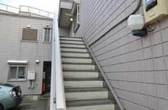 2Fに正面玄関があります。(2012-09-07,周辺環境,ENTRANCE,1F)
