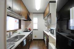 キッチン全体の様子。(2012-09-07,共用部,KITCHEN,2F)