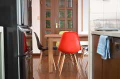 キッチン側から見たダイニング。(2012-09-07,共用部,KITCHEN,2F)