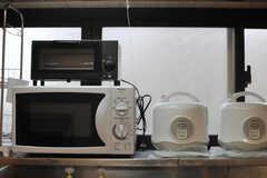 キッチン家電は窓際に。(2013-09-26,共用部,LIVINGROOM,1F)