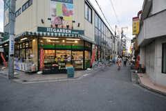 駅前のスーパーの様子。(2013-09-26,共用部,ENVIRONMENT,1F)