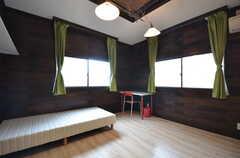 専有部の様子。面白い壁です。(101号室)(2014-07-07,専有部,ROOM,1F)