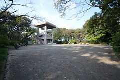 シェアハウスと京急弘明寺駅の間にある弘明寺公園。(2015-10-21,共用部,ENVIRONMENT,1F)