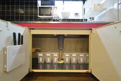 シンク下の収納も専有部ごとにスペースが決められています。(2016-03-16,共用部,KITCHEN,1F)