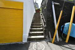 シェアハウスへ上がる階段。(2017-05-08,共用部,OTHER,1F)