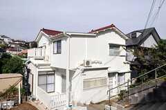 シェアハウスの外観。(2010-11-02,共用部,OUTLOOK,1F)