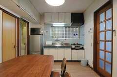 キッチンの様子。(2013-11-20,共用部,KITCHEN,1F)