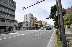横浜市営地下鉄ブルーライン・三ツ沢下町駅前の様子。(2014-05-26,共用部,ENVIRONMENT,1F)