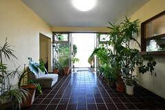 内部から見た玄関の様子。(2016-10-20,周辺環境,ENTRANCE,1F)