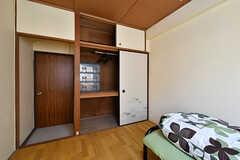 収納の様子。(102号室)(2016-10-20,専有部,ROOM,1F)