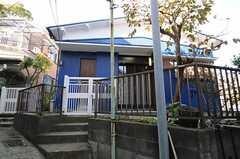 シェアハウスの外観。(2011-11-21,共用部,OUTLOOK,1F)
