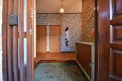 玄関から見た内部の様子。(2017-01-10,周辺環境,ENTRANCE,1F)