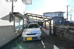 自転車置き場の様子。車も停められます。(2017-01-10,共用部,GARAGE,1F)