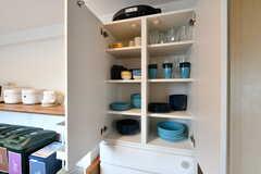 食器棚の様子。(2019-08-16,共用部,KITCHEN,1F)