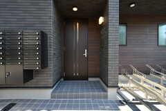 玄関ドアの様子。(2020-10-20,周辺環境,ENTRANCE,1F)