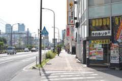 駅からシェアハウスへ向かう道の様子。(2020-10-20,共用部,ENVIRONMENT,1F)