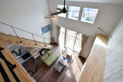 屋根裏の廊下から見たリビング。(2020-02-07,共用部,LIVINGROOM,3F)