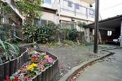 庭には花壇もあります。(2009-12-21,共用部,OTHER,1F)