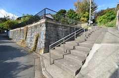 シェアハウス周辺は、坂道が多く階段もあります。(2015-11-19,共用部,ENVIRONMENT,1F)