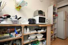 食器棚の様子。(2010-08-17,共用部,KITCHEN,1F)