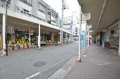 京急線・生麦駅前の商店街の様子。(2015-06-16,共用部,ENVIRONMENT,1F)
