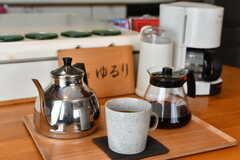 コーヒーを淹れるための道具も揃っています。(2017-10-31,共用部,KITCHEN,2F)
