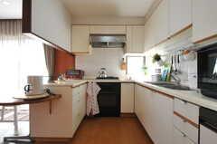 キッチンの様子。(2013-03-11,共用部,KITCHEN,2F)
