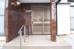 シェアハウスの玄関。(2016-07-08,周辺環境,ENTRANCE,1F)