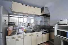 キッチンの様子。(2013-04-11,共用部,KITCHEN,1F)