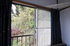 窓の外は緑も多め。(203号室)(2013-04-11,専有部,ROOM,2F)