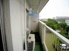 ラウンジと5063号室から出ることのできるベランダの様子。物干しOK!(2007-07-29,共用部,OTHER,5F)