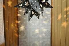 天井や壁面には星形の光。(2009-02-06,共用部,OTHER,1F)
