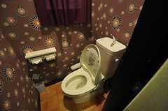 トイレの様子。ウォシュレット付です。(2014-03-03,共用部,TOILET,1F)