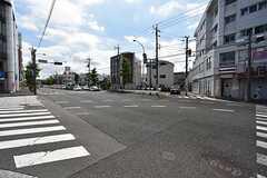 近くの交差点の様子。(2016-06-14,共用部,ENVIRONMENT,1F)