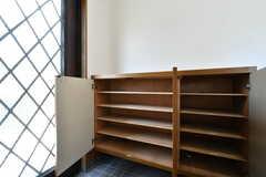 靴箱の様子。部屋ごとに割り当てられています。(B棟)(2020-08-18,周辺環境,ENTRANCE,1F)