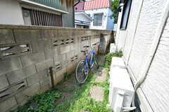自転車置き場の様子。(2020-08-18,共用部,GARAGE,1F)