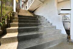 階段の先はB棟です。(2018-05-24,共用部,OTHER,2F)