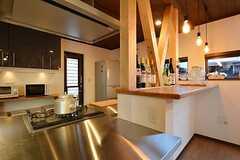 キッチンの天板はステンレス。(2015-03-26,共用部,KITCHEN,1F)