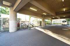駐車場の様子。(2016-07-29,共用部,GARAGE,1F)