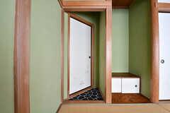 入り口は土間のように洗い出しの仕上げになっています。風情があります。(B-204号室)(2017-02-15,専有部,ROOM,2F)