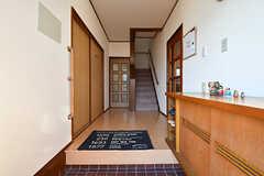 玄関から見た内部の様子。(A棟)(2017-02-15,周辺環境,ENTRANCE,1F)