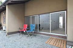 屋外は喫煙も可能です。(2017-03-22,共用部,OTHER,1F)