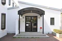 シェアハウスの正面玄関。(2011-04-15,周辺環境,ENTRANCE,1F)