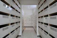 靴箱が並んでいます。(2011-04-15,共用部,OTHER,1F)