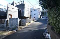 シェアハウスは坂の上にあります。(2016-01-19,共用部,ENVIRONMENT,1F)