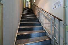 階段の様子。(2018-02-23,周辺環境,ENTRANCE,1F)