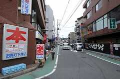 JR横浜線・大口駅からシェアハウスへ向かう道の様子。(2010-10-19,共用部,ENVIRONMENT,1F)