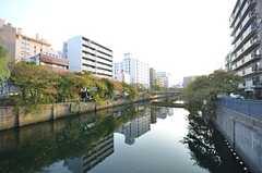 駅の近くには川が流れています。(2015-10-21,共用部,ENVIRONMENT,1F)