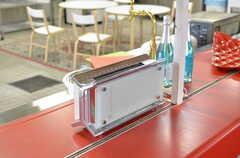 ラッセルホブス製のトースターです。(2012-02-10,共用部,KITCHEN,1F)