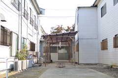 A・B棟の間の空間には、作品の展示スペースを作る予定だそう。(2012-02-10,共用部,OTHER,1F)